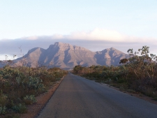 The Stirling Ranges are home to Bula Meela (Bluff Knoll), where the spirits of Nyungar people go after death. Photo by Gnangarra (commons.wikimedia.org)